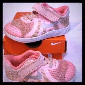 Nike Free RN Toddler 6c